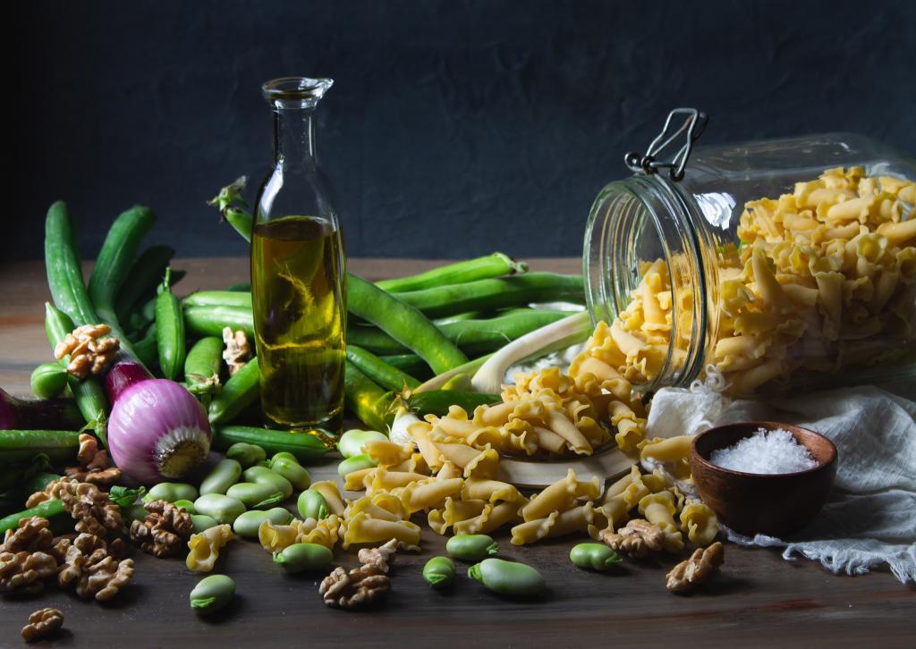 <b>Yellow gold,</b> Garda olive oil