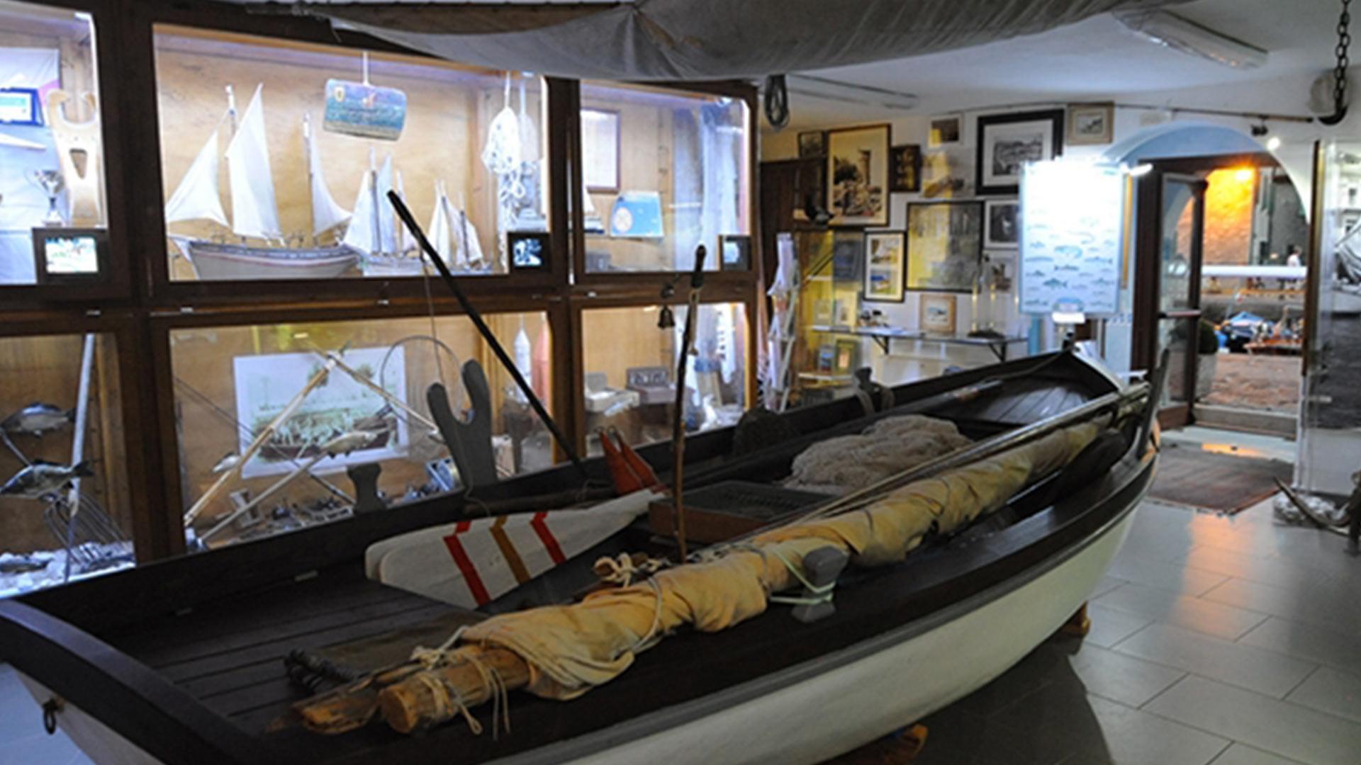 barca-vecchia-museo-cassone.jpg