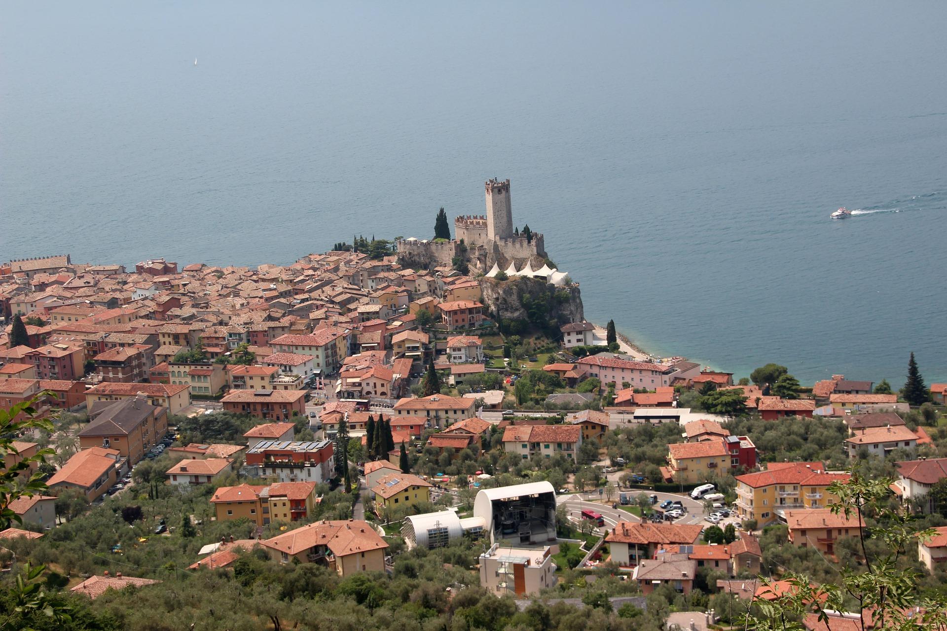 castello_malcesine_panorama_lago_di_garda.jpg
